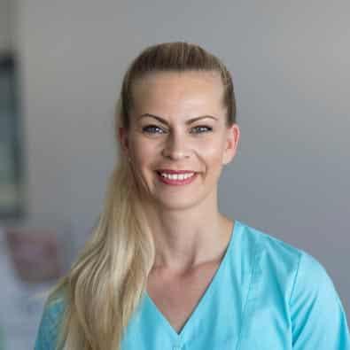 Stefanie - Zahnmedizinische Prophylaxeassistentin im Zahnärzte-Zentrum Zehlendorfer Welle