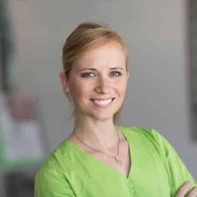 Diana - Implantologische Assistentin und zuständig für Qualitätsmanagement im Zahnärzte-Zentrum Zehlendorfer Welle